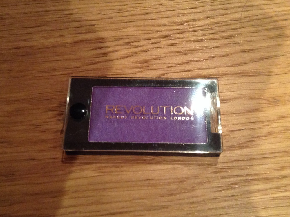 Makeup Revolution Eyeshadow Review (1/3)