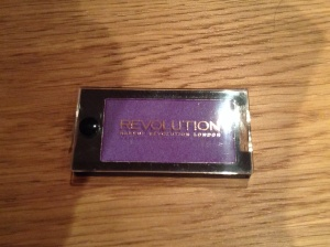 Makeup revolution purple heaven eyeshadow